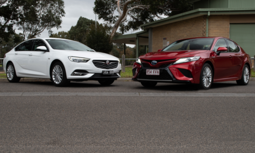 2018 Holden Calais 2.0T v Toyota Camry SL Hybrid comparison : Two former Australian-made icons go head-to-head in their new forms