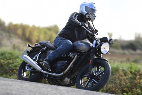2019 Triumph Street Twin Review (13 Fast Facts)