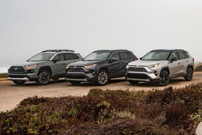 Three hybrid variants for new Toyota RAV4