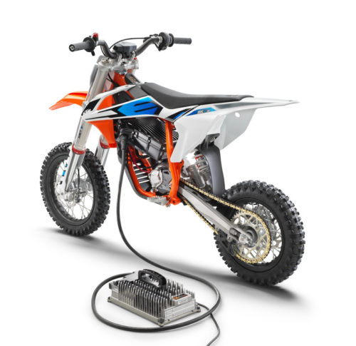 2020 KTM SX-E 5 First Look At The Future