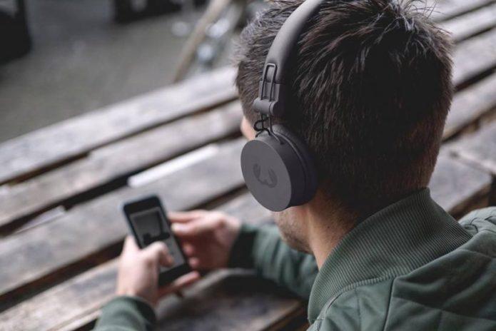 Top 10 Best Wireless On-Ear Headphones in 2018