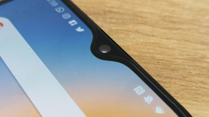 OnePlus-6T-notch-closeup-920x518
