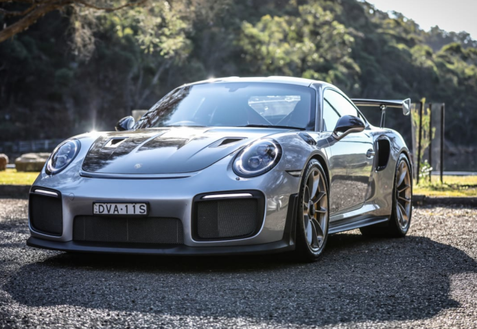 Fast cars, slow food : Porsche 911 GT2 RS and The Scarborough Hotel