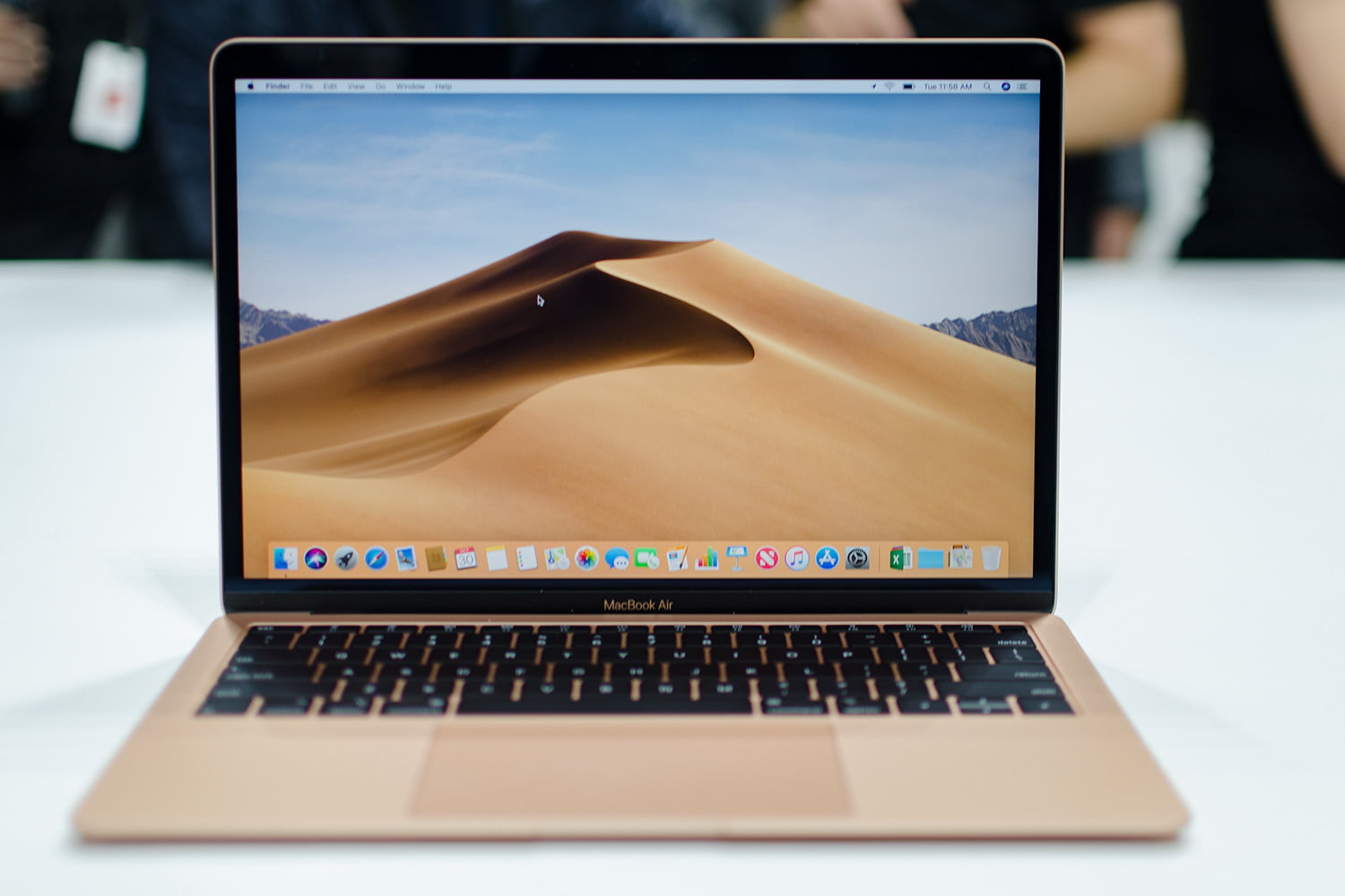 5 reasons to buy the 2018 macbook air and 3 reasons to