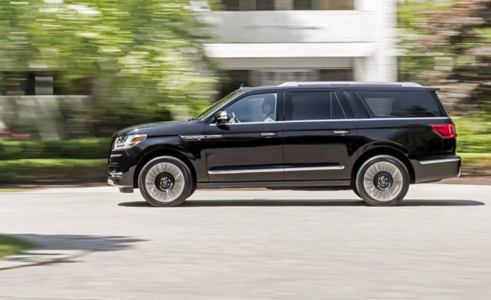 2018 Lincoln Navigator Review: Brash 3-row SUV royalty