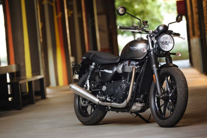 2019-Triumph-Street-Twin-First-Look-Retro-Motorcycle-13