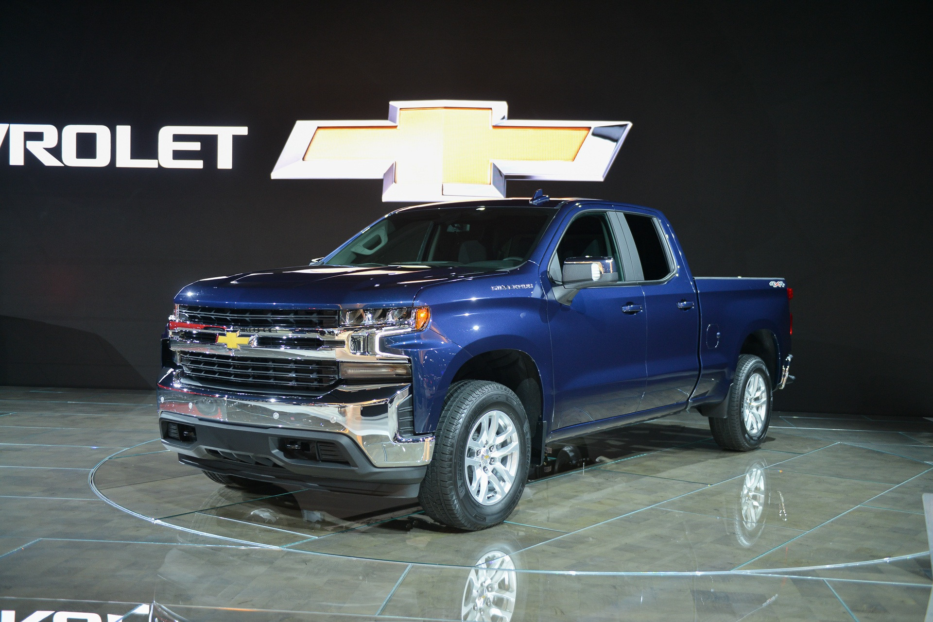 The 2020 Chevrolet Silverado HD boasts monstrous torque ...