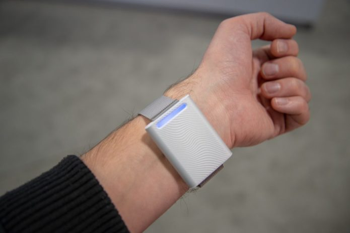 Embr Wave first look: The wearable that hacks your body temperature
