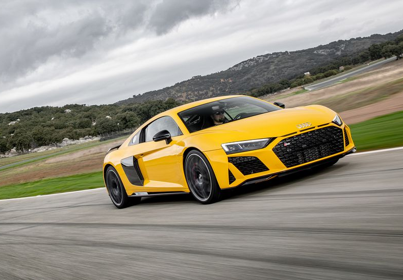 The 2019 Audi R8 Is a 600-HP Wallflower among Supercars - First Drive Review