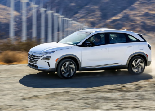 The 2019 Hyundai Nexo Is the New Shape of Water Exhaust : Hydrogen goes in, water comes out.