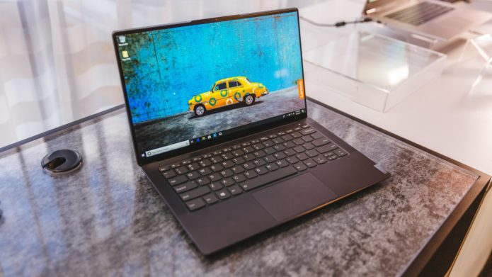 Lenovo's Nearly Bezel-Free Yoga S940 Is Ready to Fight the XPS 13