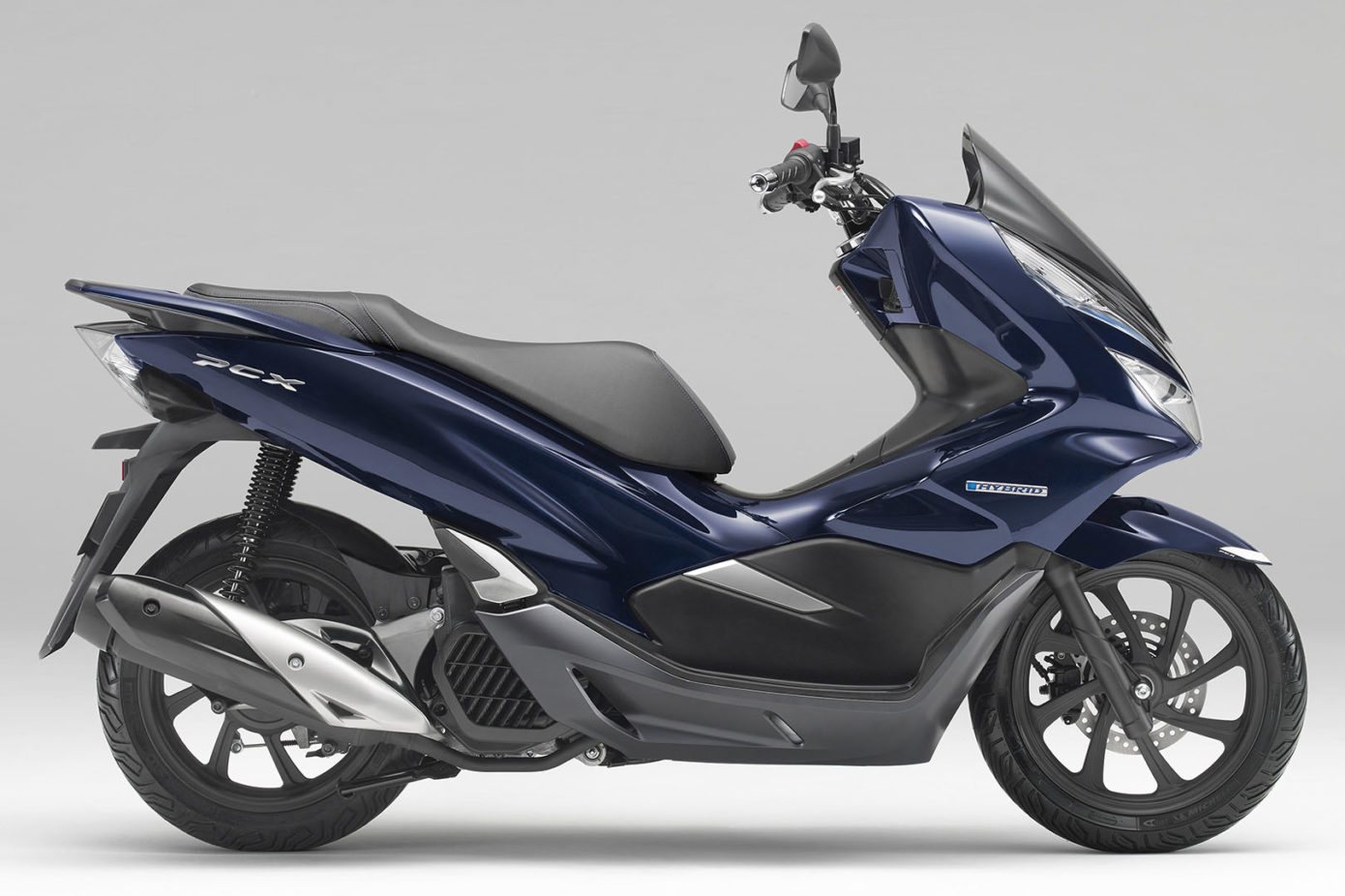 2019 Honda Pcx Hybrid Scooter First Look Gasoline Electric 14