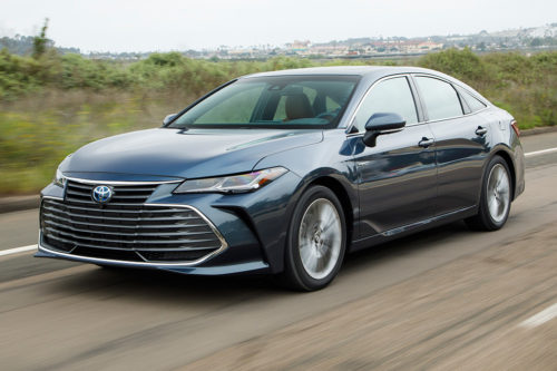 2019 Toyota Avalon Hybrid Review