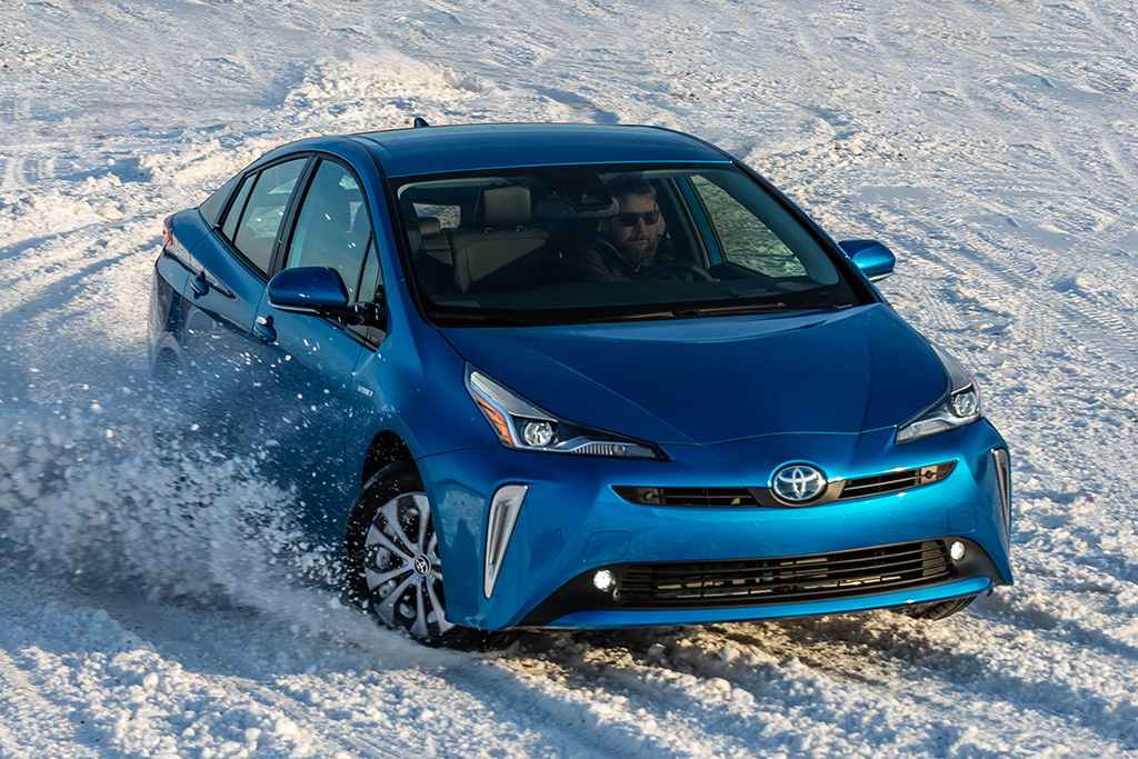 2019 Toyota Prius Review | GearOpen