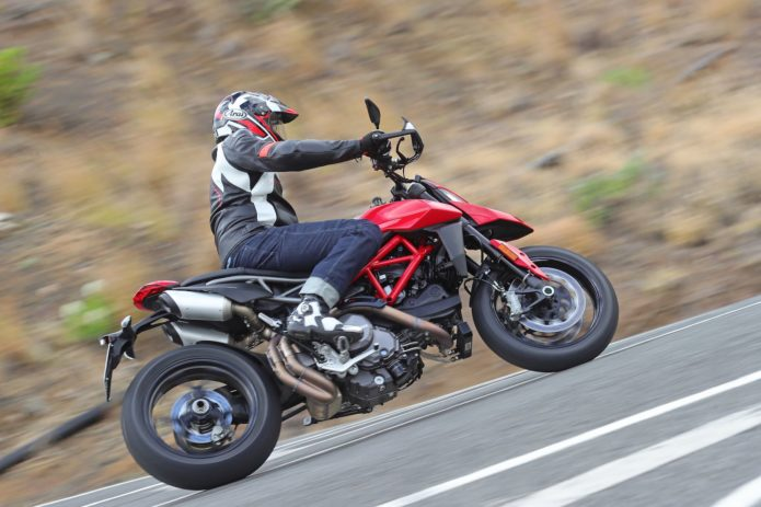 2019 Ducati Hypermotard 950 & 950 SP Review (26 Fast Facts)