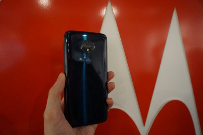 Moto G7 Power Hands-on Review: A giant-battery smartphone for buyers on a budget.