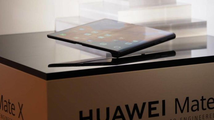 Reasons to skip the first-generation of Galaxy Fold and Huawei Mate X