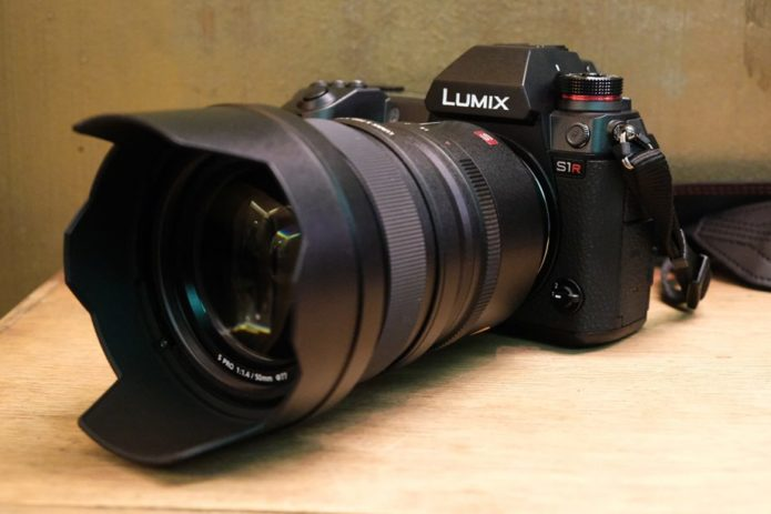 Panasonic S1R Review : A serious new mirrorless contender for pro photographers with deep pockets...