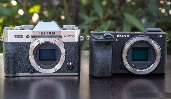 Fujifilm X-T30 vs Sony a6400 – The 10 Main Differences