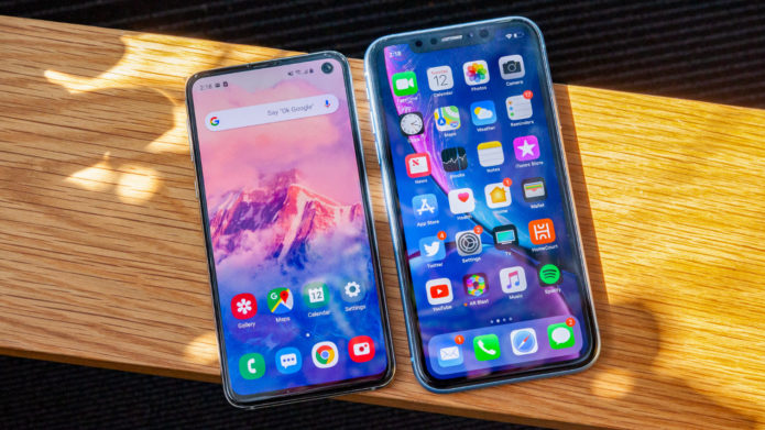Galaxy S10e vs iPhone XR FACE-OFF : Why Samsung Wins