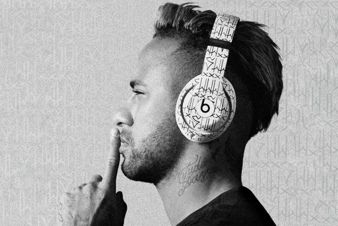 147409-headphones-news-custom-neymar-beats-studio3-headphones-add-a-little-brazilian-flair-image1-8egoj5h4hw