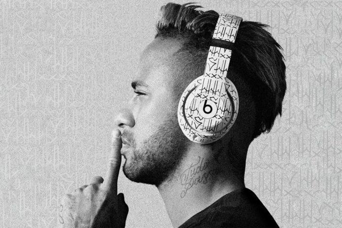 147409-headphones-news-custom-neymar-beats-studio3-headphones-add-a-little-brazilian-flair-image1-8egoj5h4hw