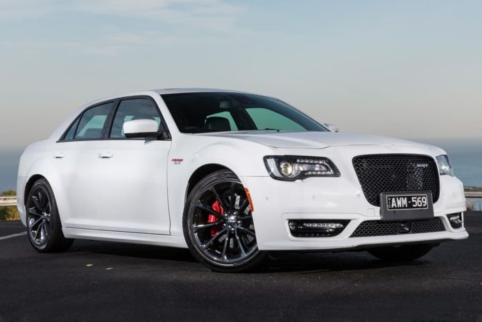 2019 Chrysler 300 SRT Review : Road Test