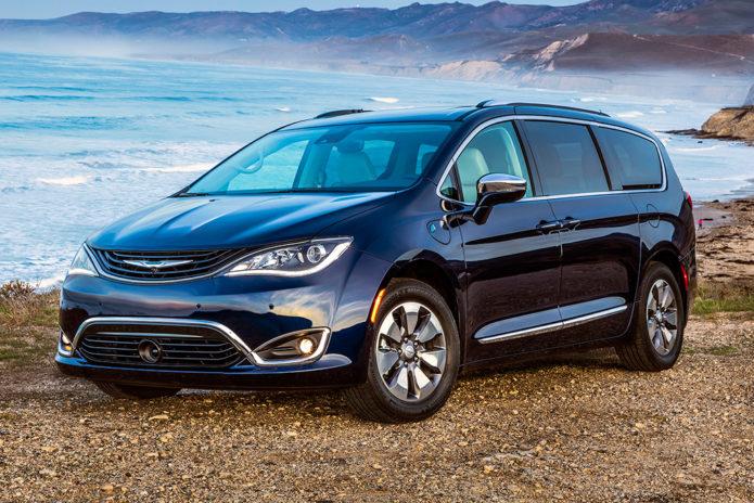 2019 Chrysler Pacifica Hybrid (1)