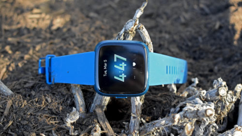 Fitbit Versa Lite Edition Hands-on Review : First look – Smartwatch cuts the fat, keeps the smarts