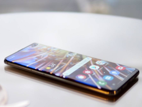 Samsung Galaxy S10 Review: We have a new king