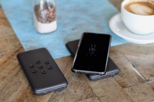 Yoolox 10K Powerbank Review: Return Of The Suction Cups
