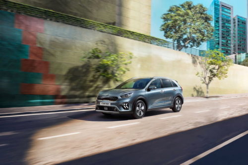 Kia Niro hybrid and Niro plug-in hybrid get face-lift, infotainment upgrade