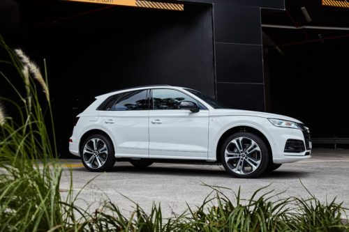 Audi Q5 Facelift Rendered With A4-Derived De-Chromed Front Clip