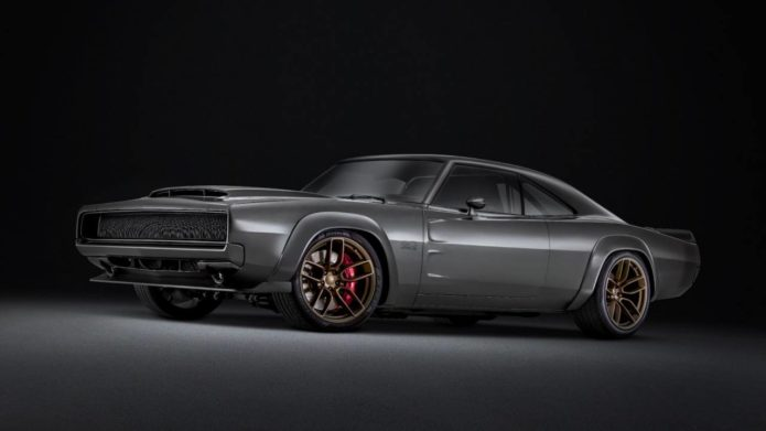 This 1,000 hp Mopar Hellephant V8 is glorious old-school excess