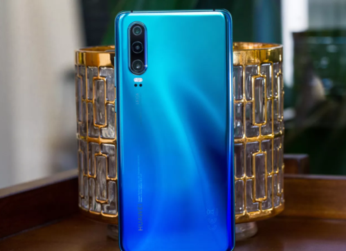 Watch: Huawei P30 vs Galaxy S10 — Camera Comparison