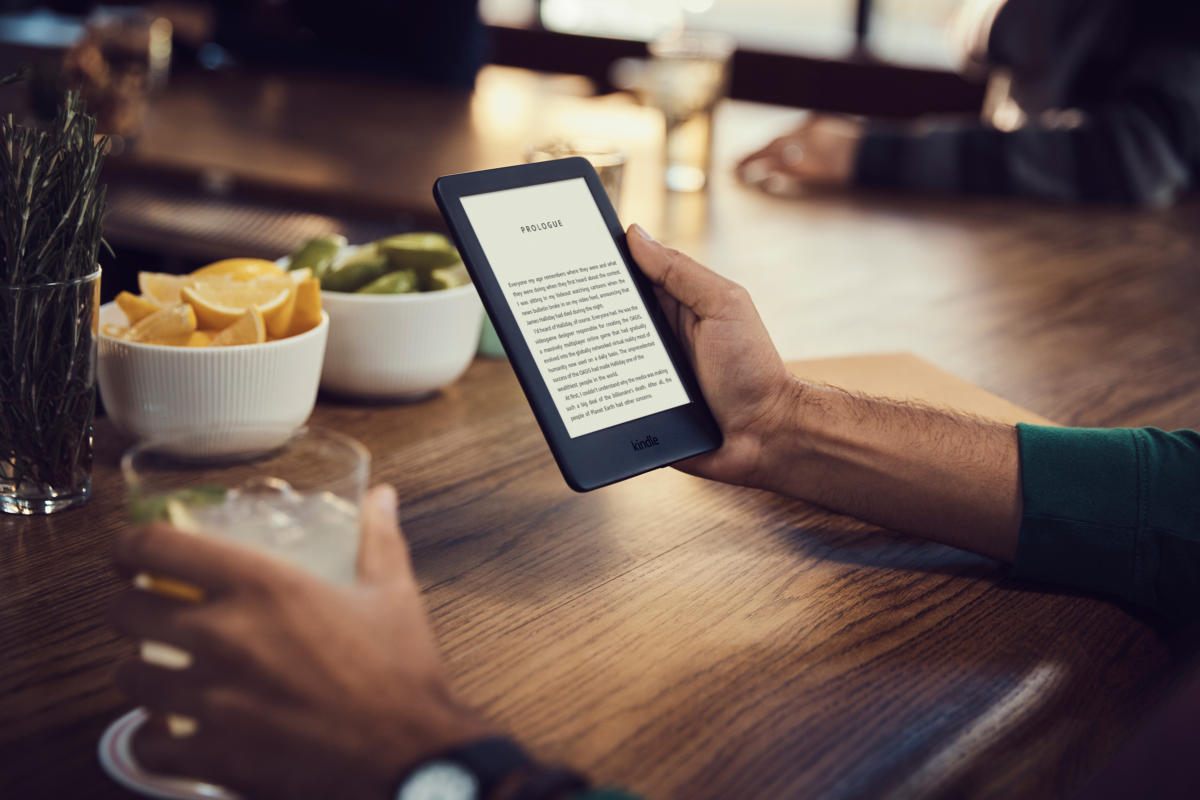 Amazon All-new Kindle (10th generation, 2019) review: Front lighting and a better screen elevate this entry level e-reader