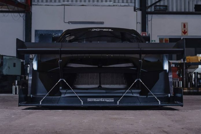 Nissan GT-R wings it