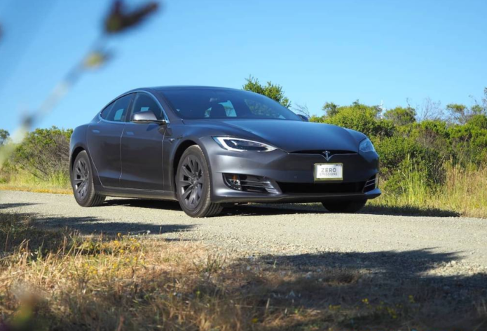 Tesla Autopilot update dilutes features for some owners