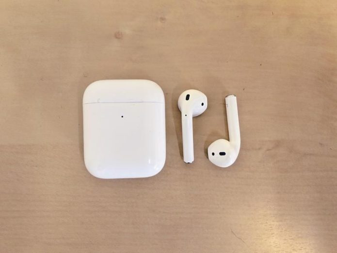 airpods-2019-out-of-case