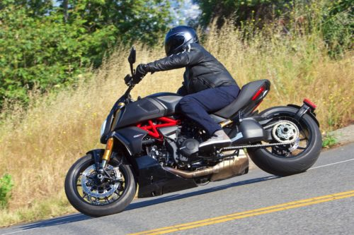 2019 Ducati Diavel 1260 S Review: Crushing of Conformity (16 Fast Facts)