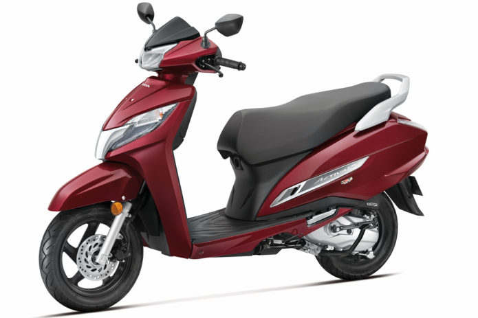 2020 Honda Activa 125 Scooter First Look (7 Fast Facts)