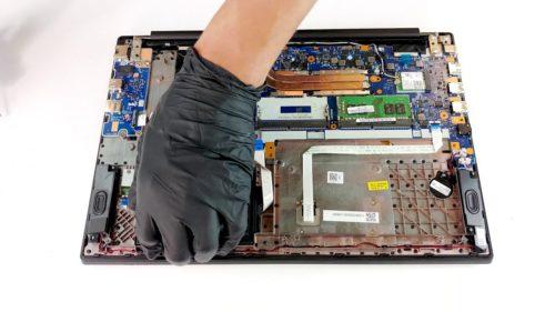 Inside Lenovo ThinkPad E590 – disassembly and upgrade options