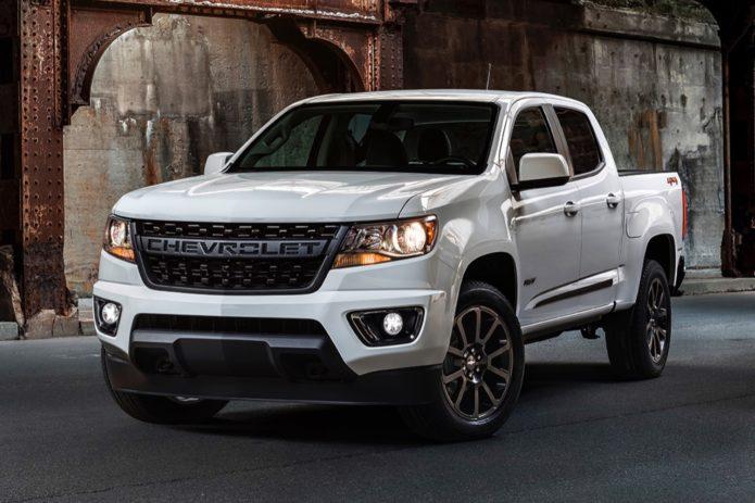 2019-Chevrolet-Colorado-RST-exterior-002