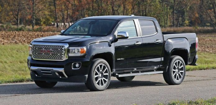 2020 Chevrolet Colorado vs. 2020 GMC Canyon: What's the Difference?