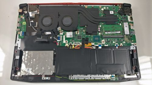 Inside Acer Predator Helios 300 – disassembly and upgrade options