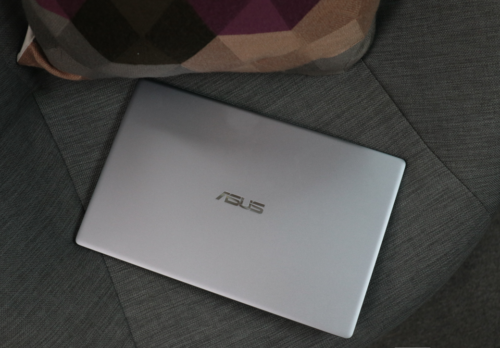 ASUS VivoBook X403 Hands-On, Quick Review: Budget UltraBook for All-Day Productivity