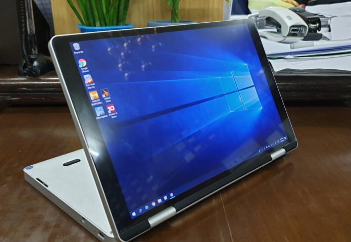 One Mix 3 Review – Smaller alternative to Surface Go