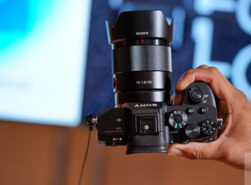 8 Portrait Lenses That Can Harness the Power of the Sony a7r IV