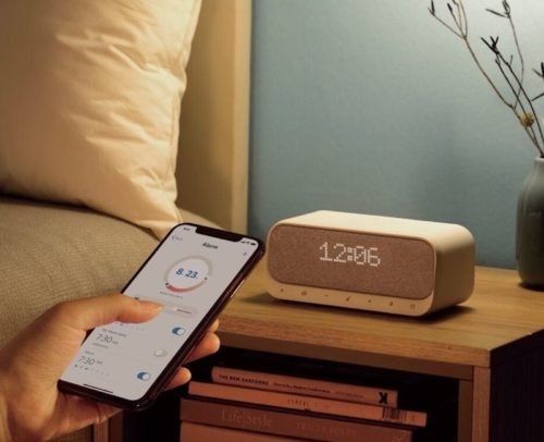 Anker Soundcore Wakey review: Wireless charging and more in one bedside device