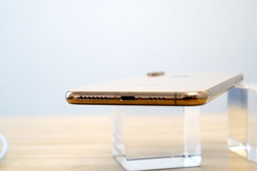 7 Reasons to Buy the iPhone XS & 4 Reasons to Wait
